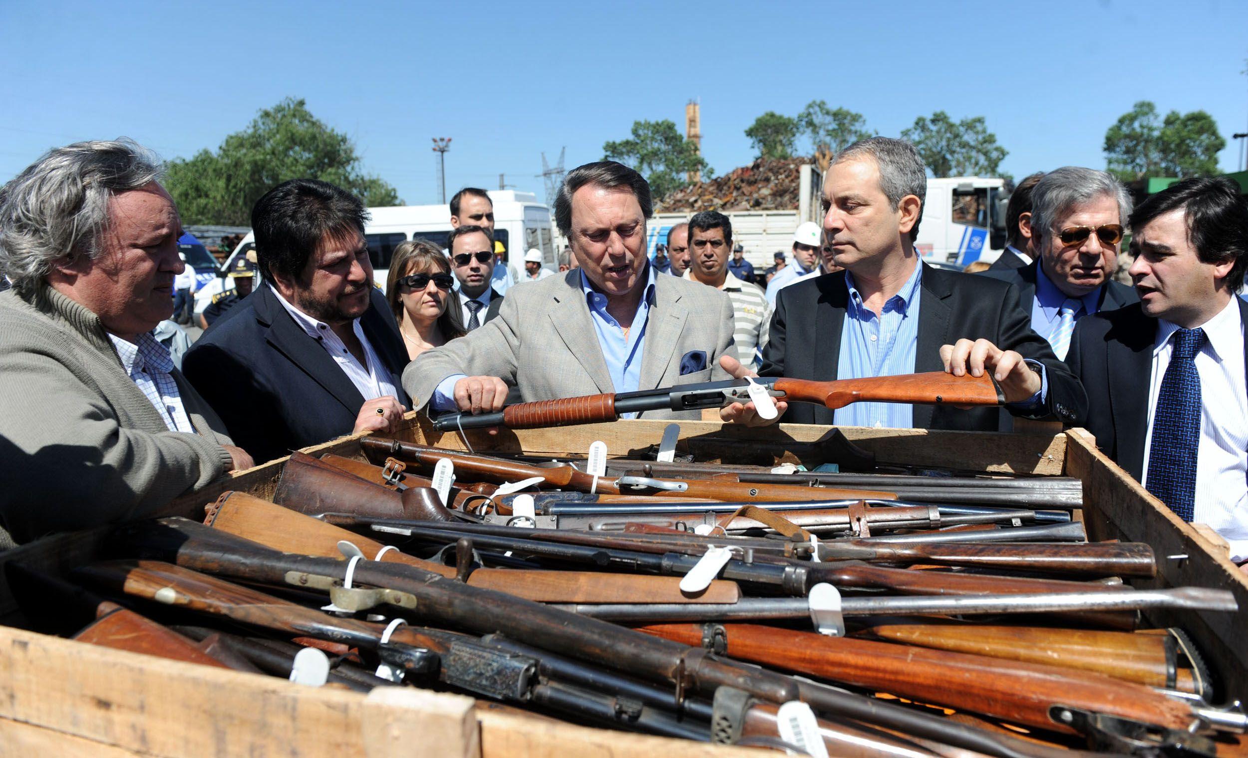 Alak: Sin armas en las casas, evitaremos muertes absurdas