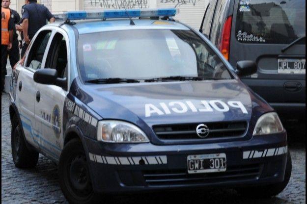 Tres delincuentes detenidos por cometer una entradera