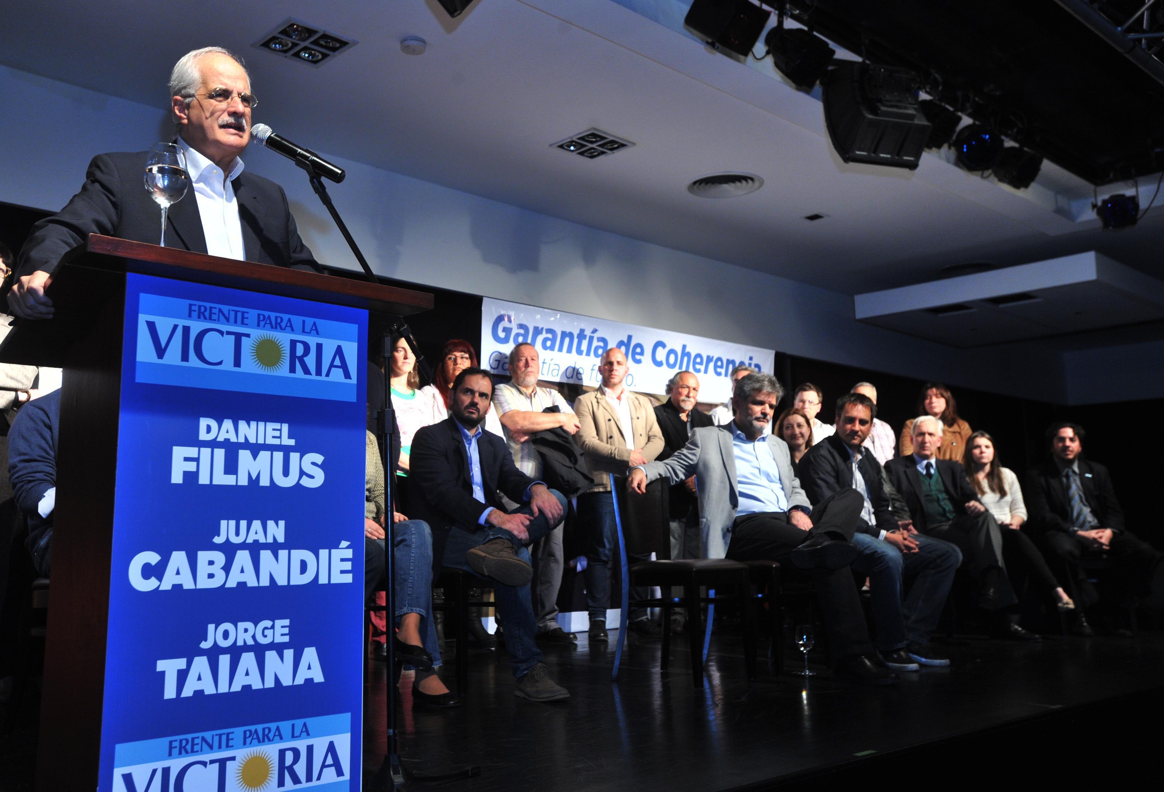 El Frente para la Victoria presentó la lista de legisladores porteños
