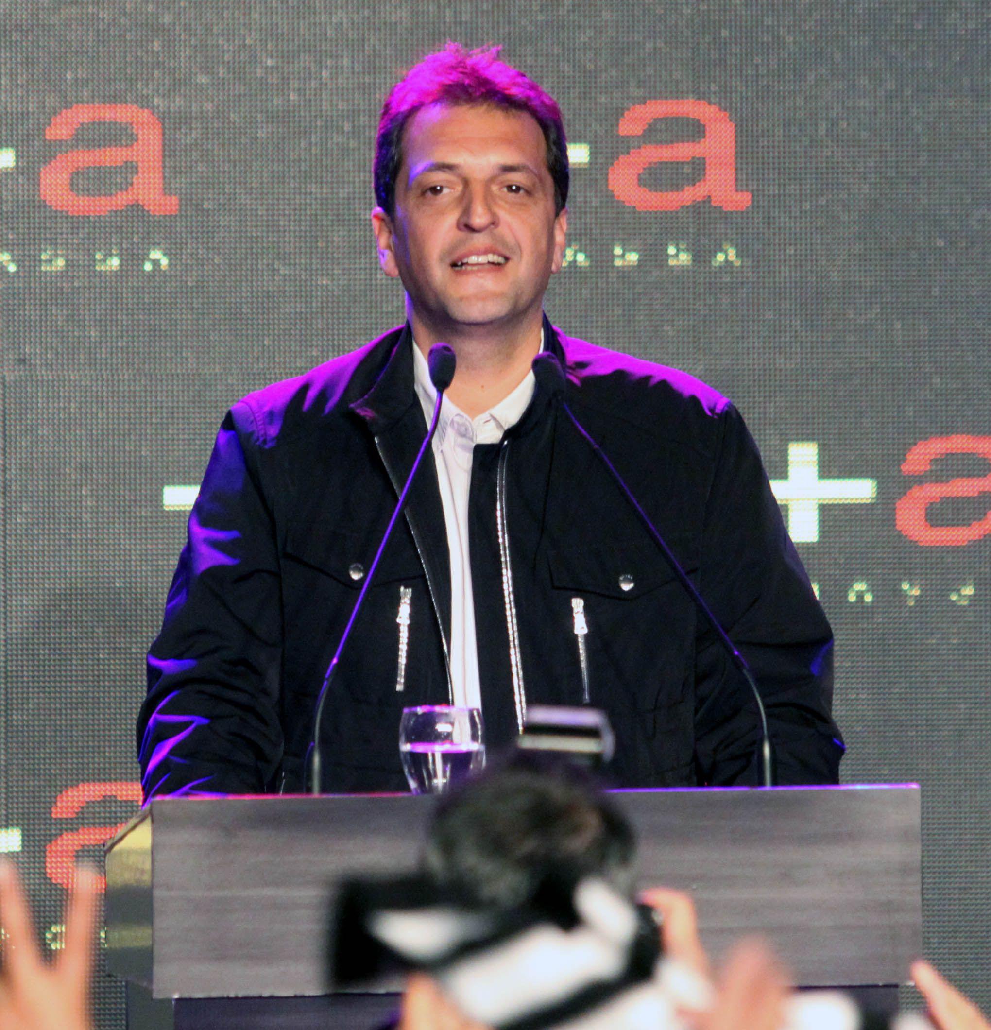 Massa critica a quienes confunden trabajo cotidiano con cuestión electoral