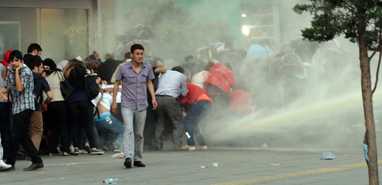 Protestas en Turquía: una semana, cuatro muertos y 4000 heridos