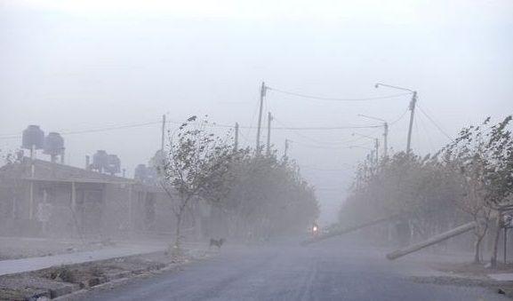 Cancelaron las clases en Mendoza por el viento Zonda