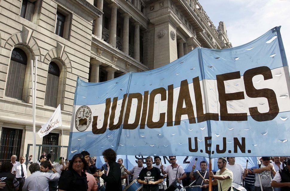Sigue el paro en Tribunales contra la reforma judicial