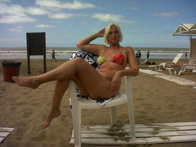 Abuela hot sube fotos y videos para que Bon Jovi venga a la Argentina