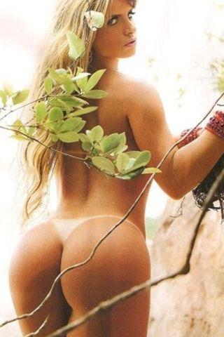 Miss Bum Bum se desnudó para una revista brasileña
