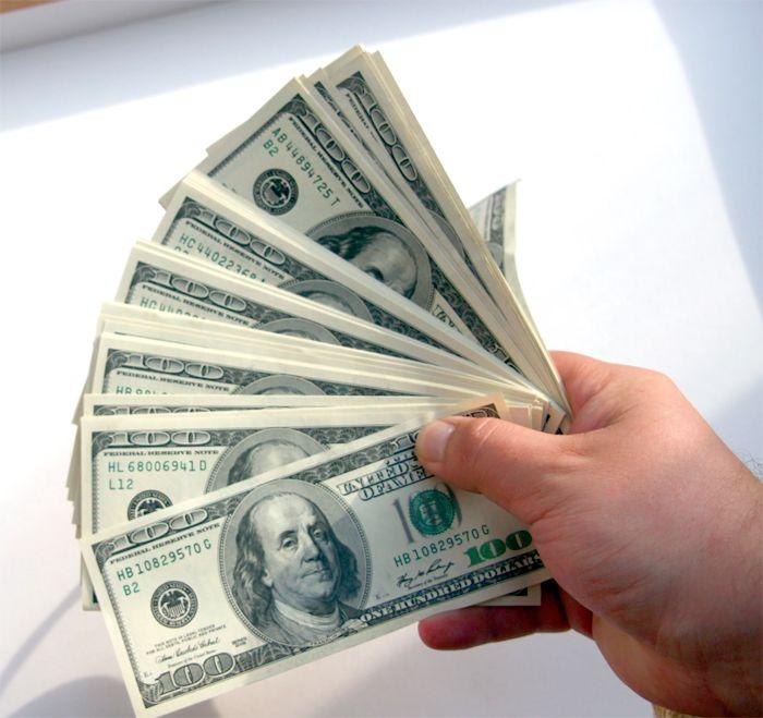Economistas, preocupados por la suba del dólar negro