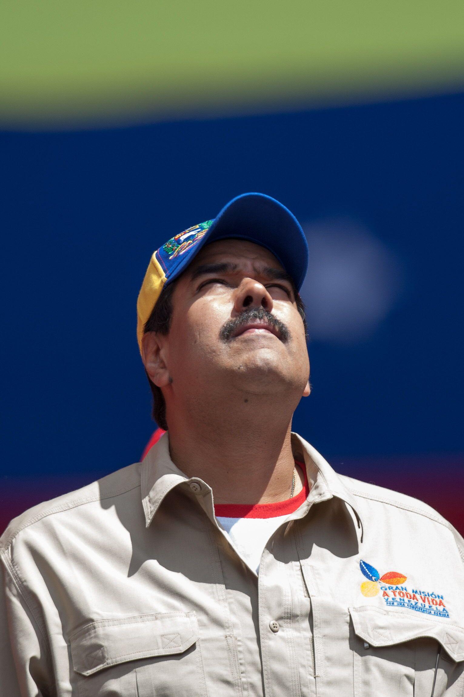 Maduro no deberá renunciar para ser candidato presidencial