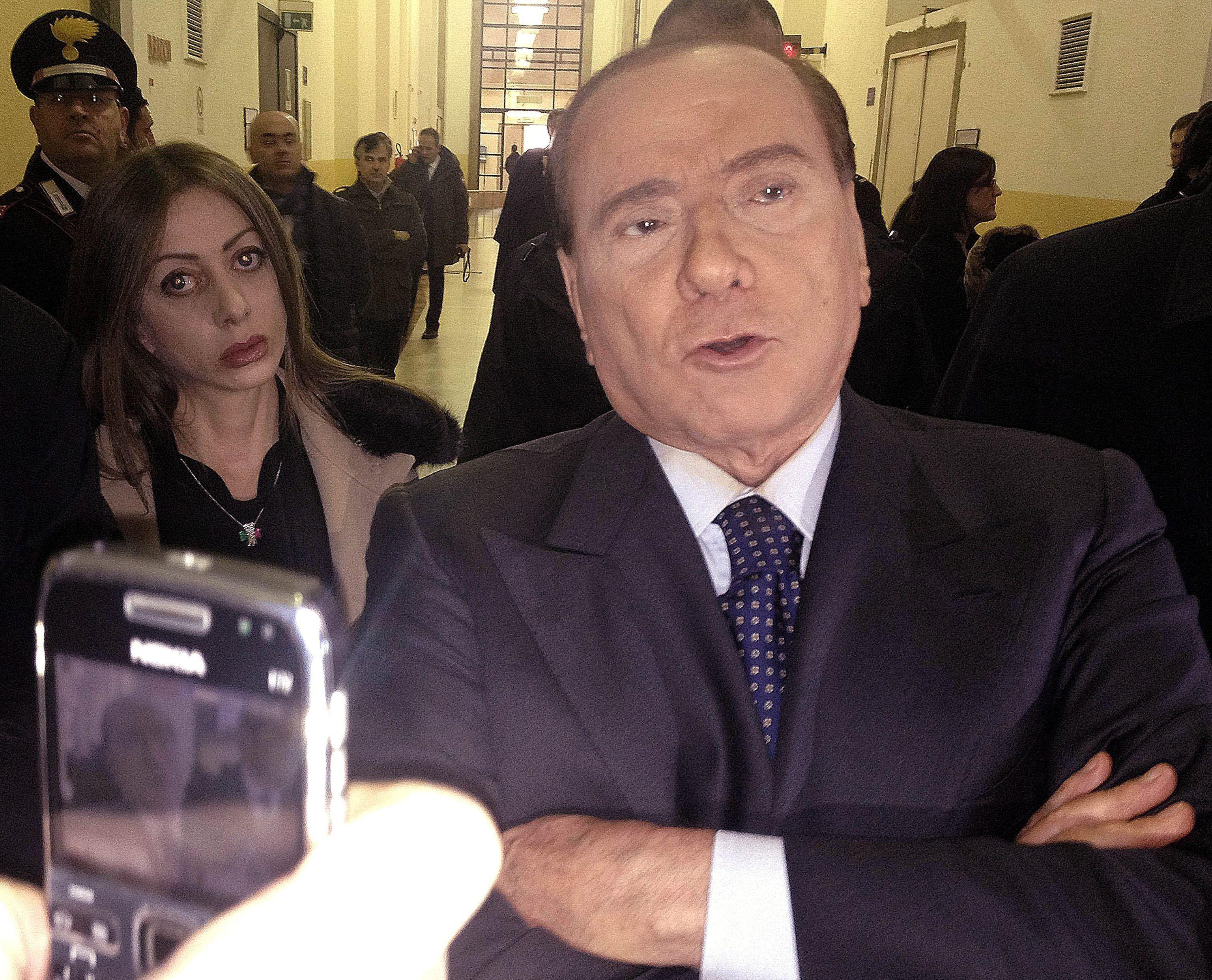 Internaron a Berlusconi tras su condena a un año de prisión