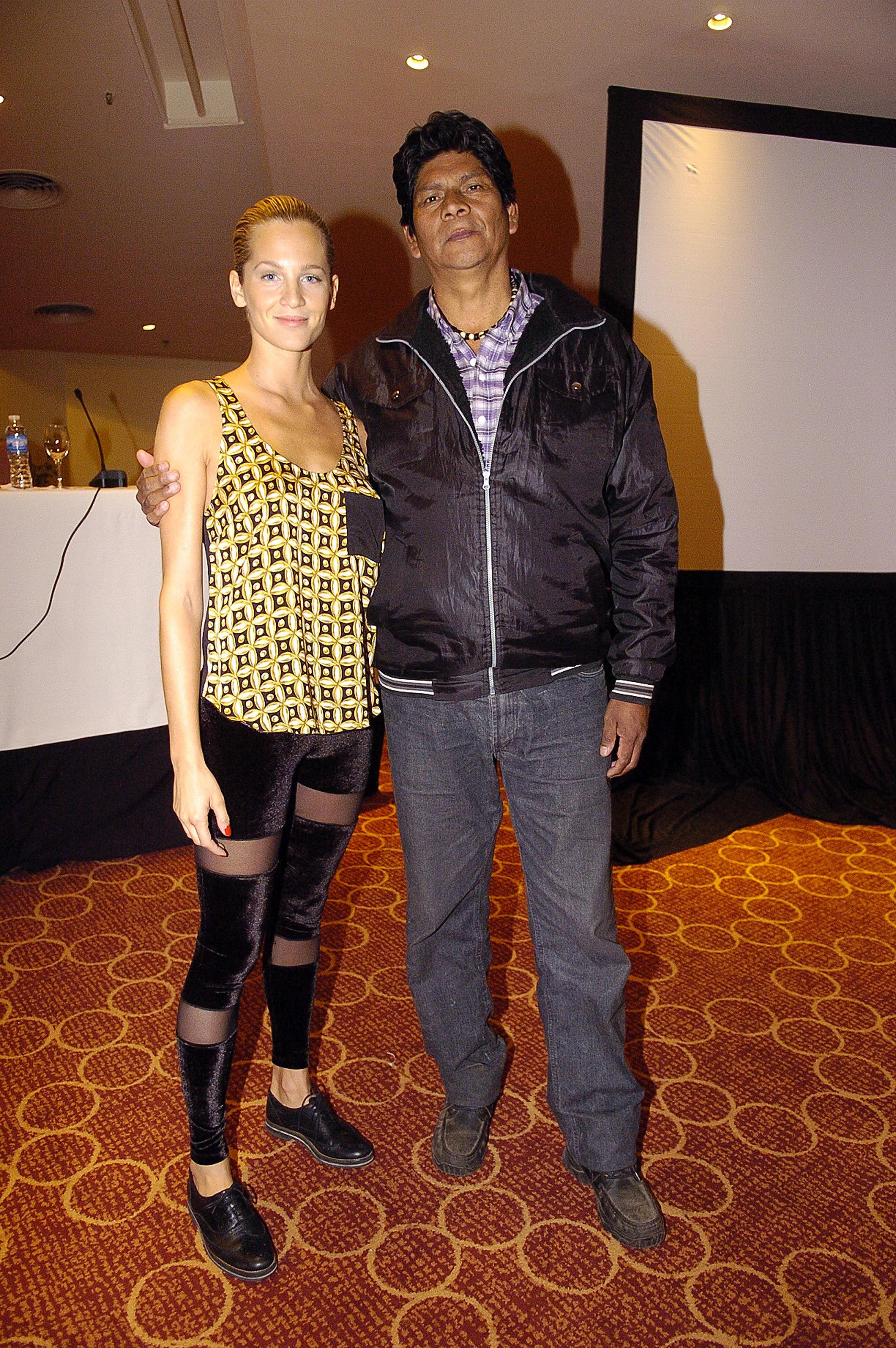 Liz Solari y Máximo Jorge (cacique toba)