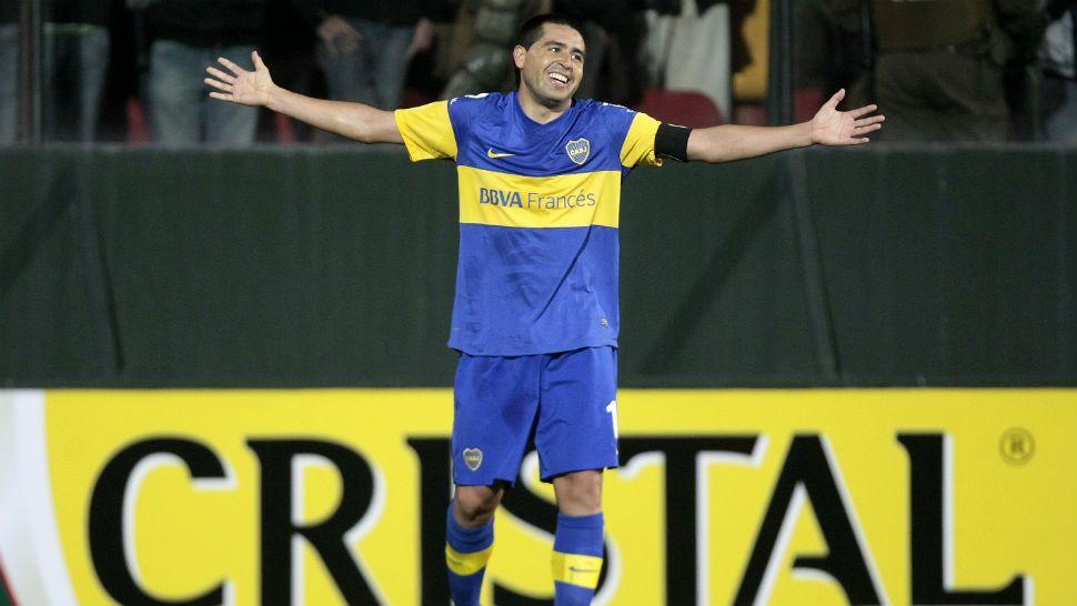 Se lesionó Riquelme y peligra su participación en la Libertadores