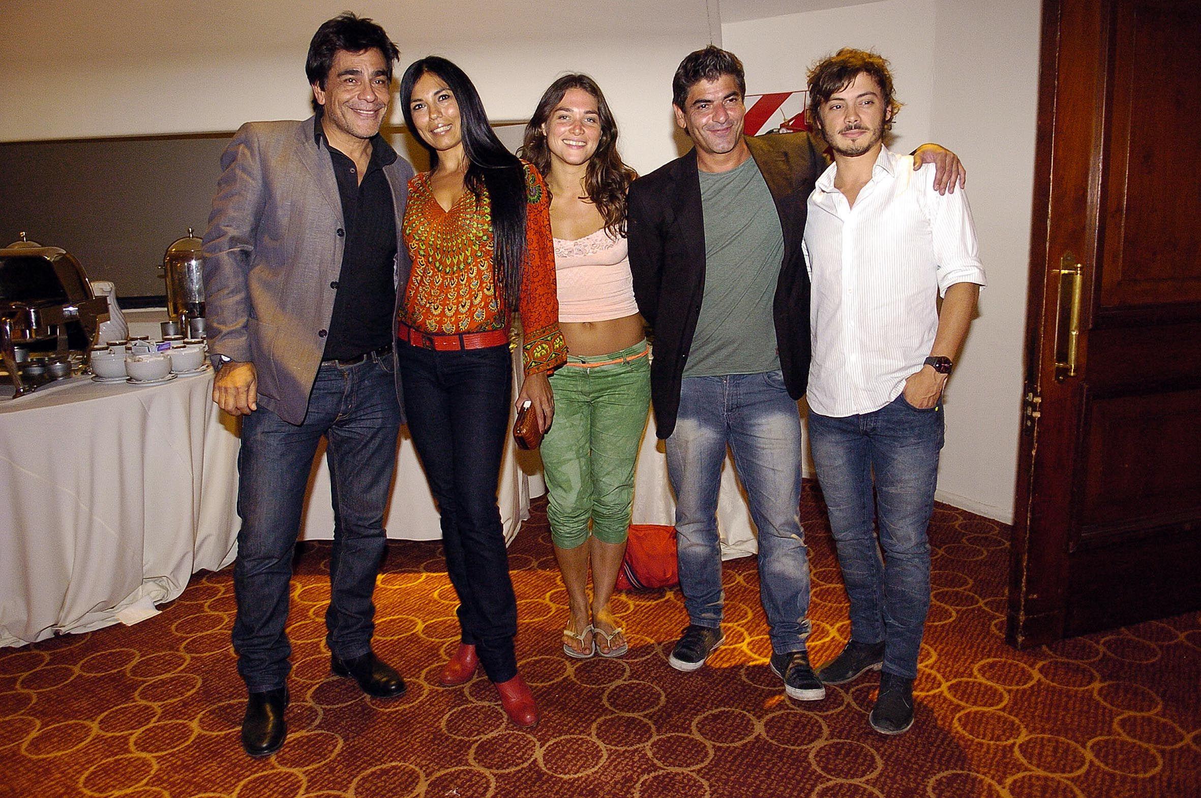 Algunos actores de la película Ley Primera.jpg