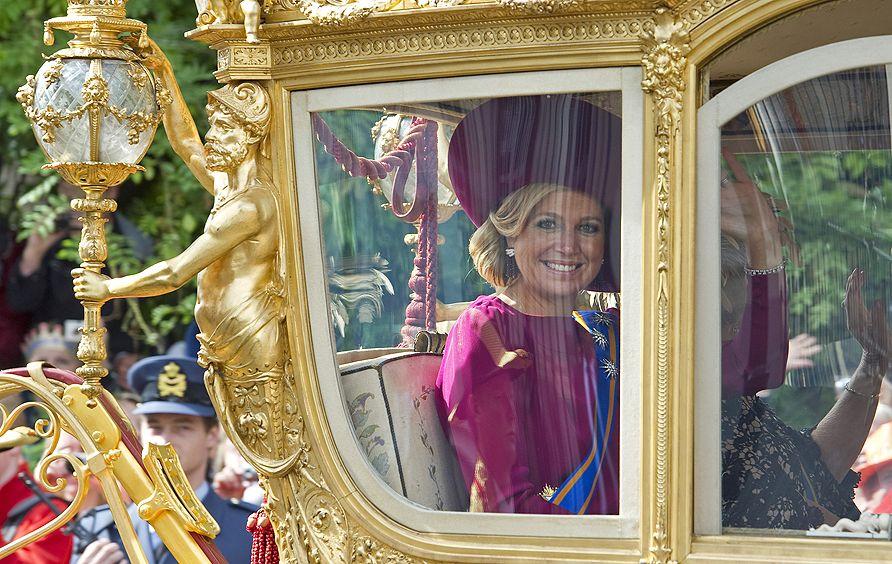 La coronación de Máxima, entre la pompa y la crisis