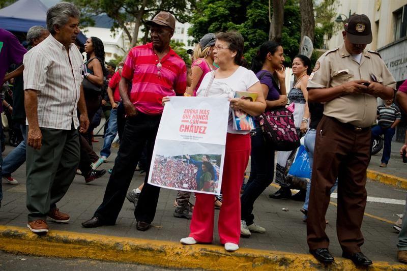 Piden unirse en oración por la salud de Hugo Chávez