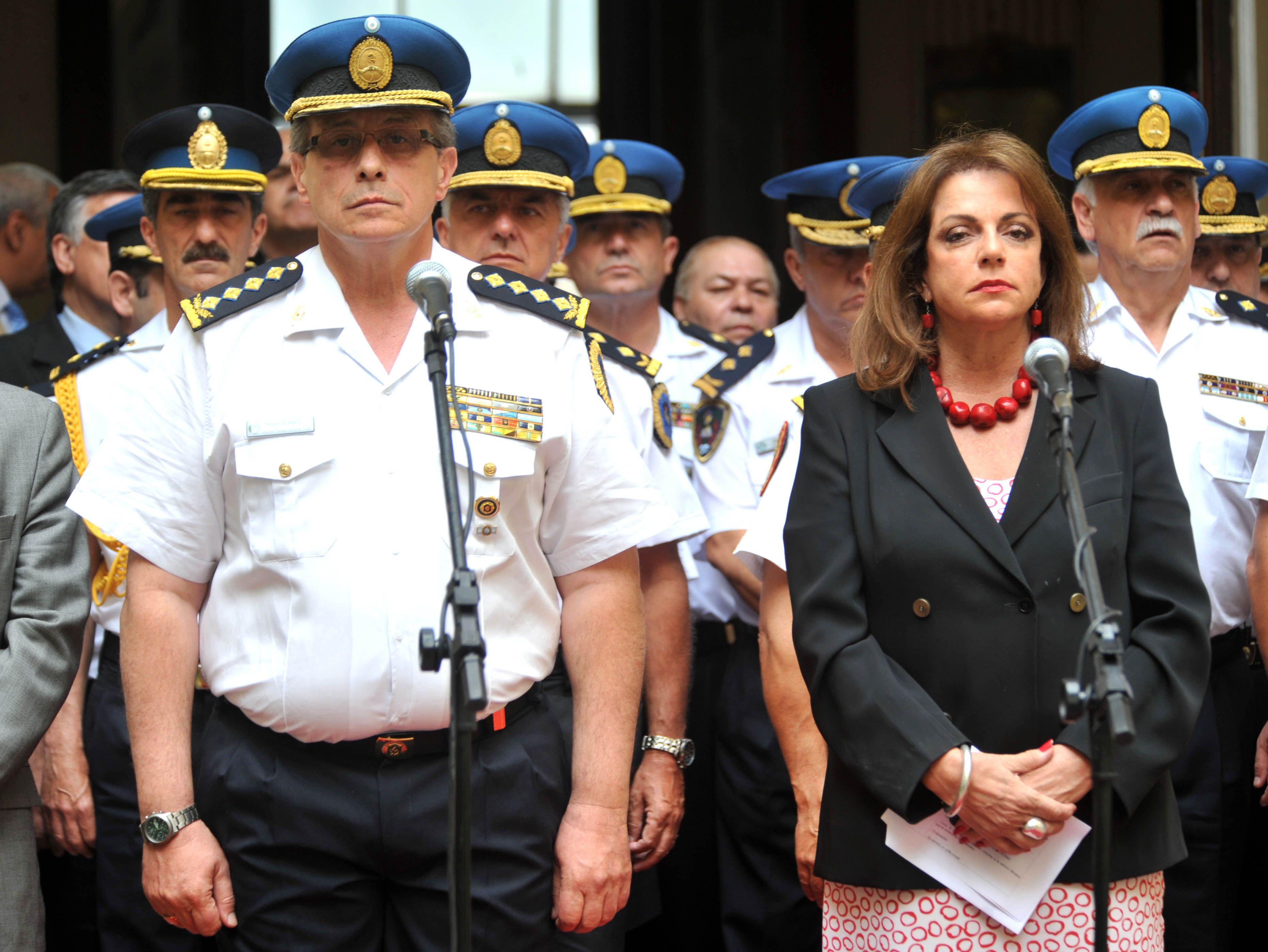 Desplazaron a 25 comisarios de la Policía Federal