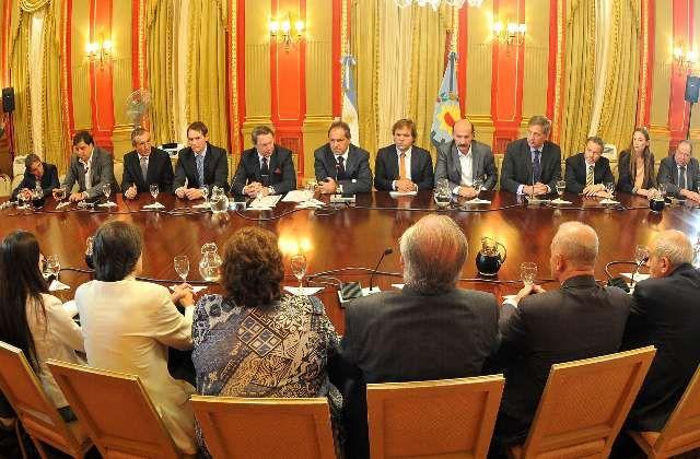 El gobernador Daniel Scioli se reunión con ministros