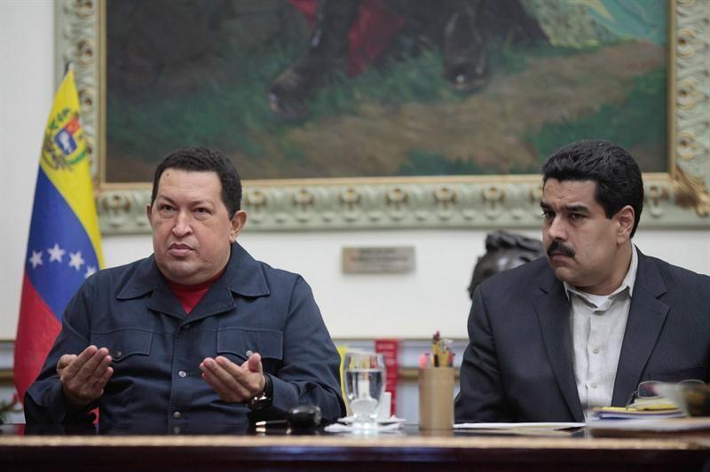 Hugo Chávez y su vicepresidente