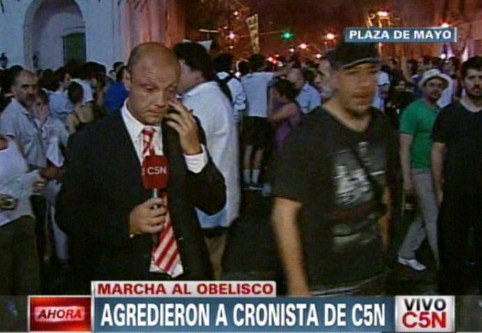Agredieron a un periodista de C5N y cercaron un móvil