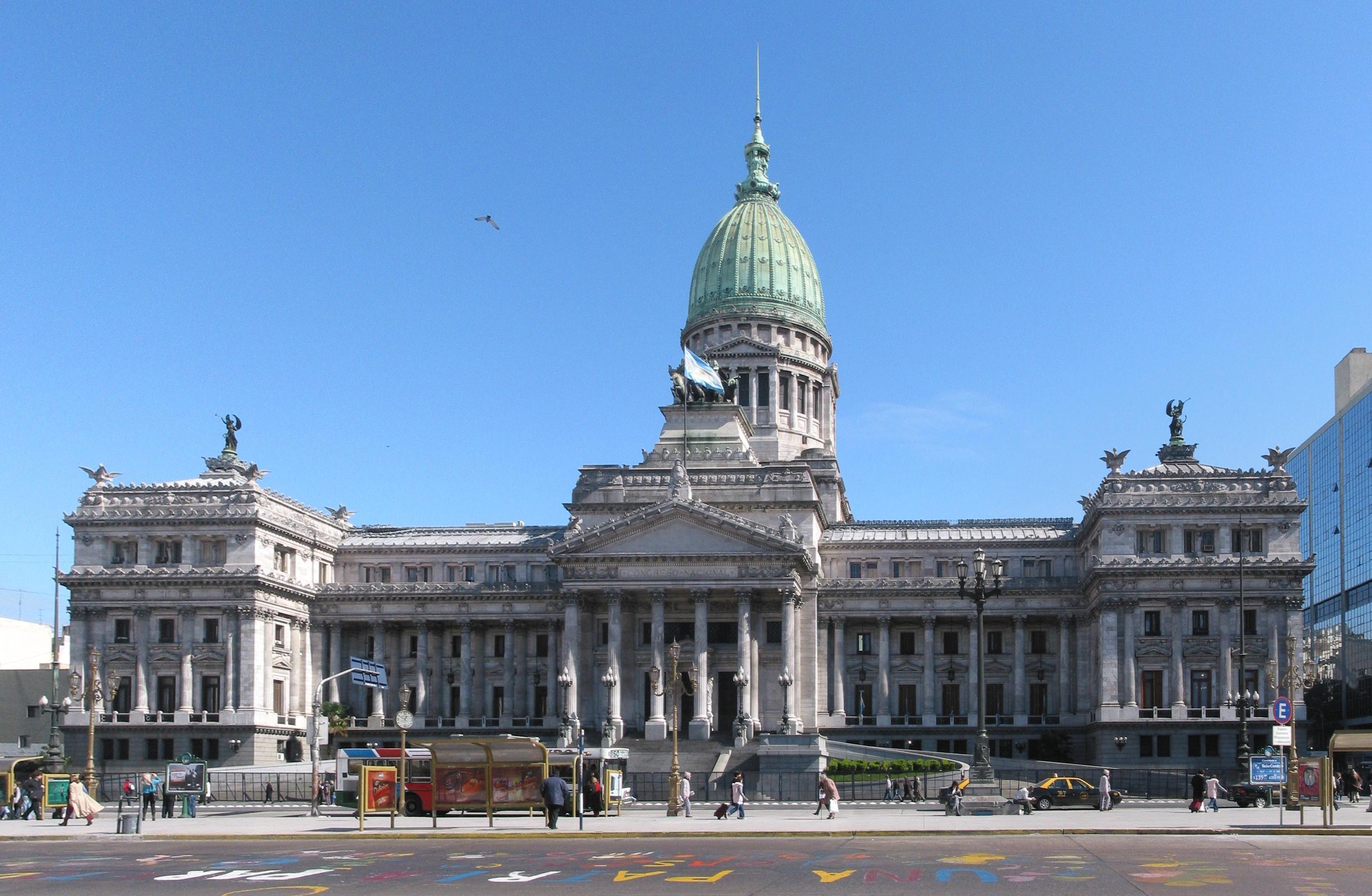 El oficialismo y la oposición, frente a las Legislativas