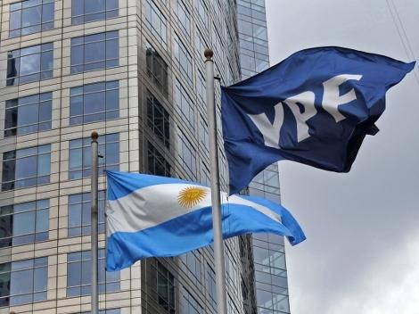 ¿Conviene comprar acciones de YPF en medio de la caída?