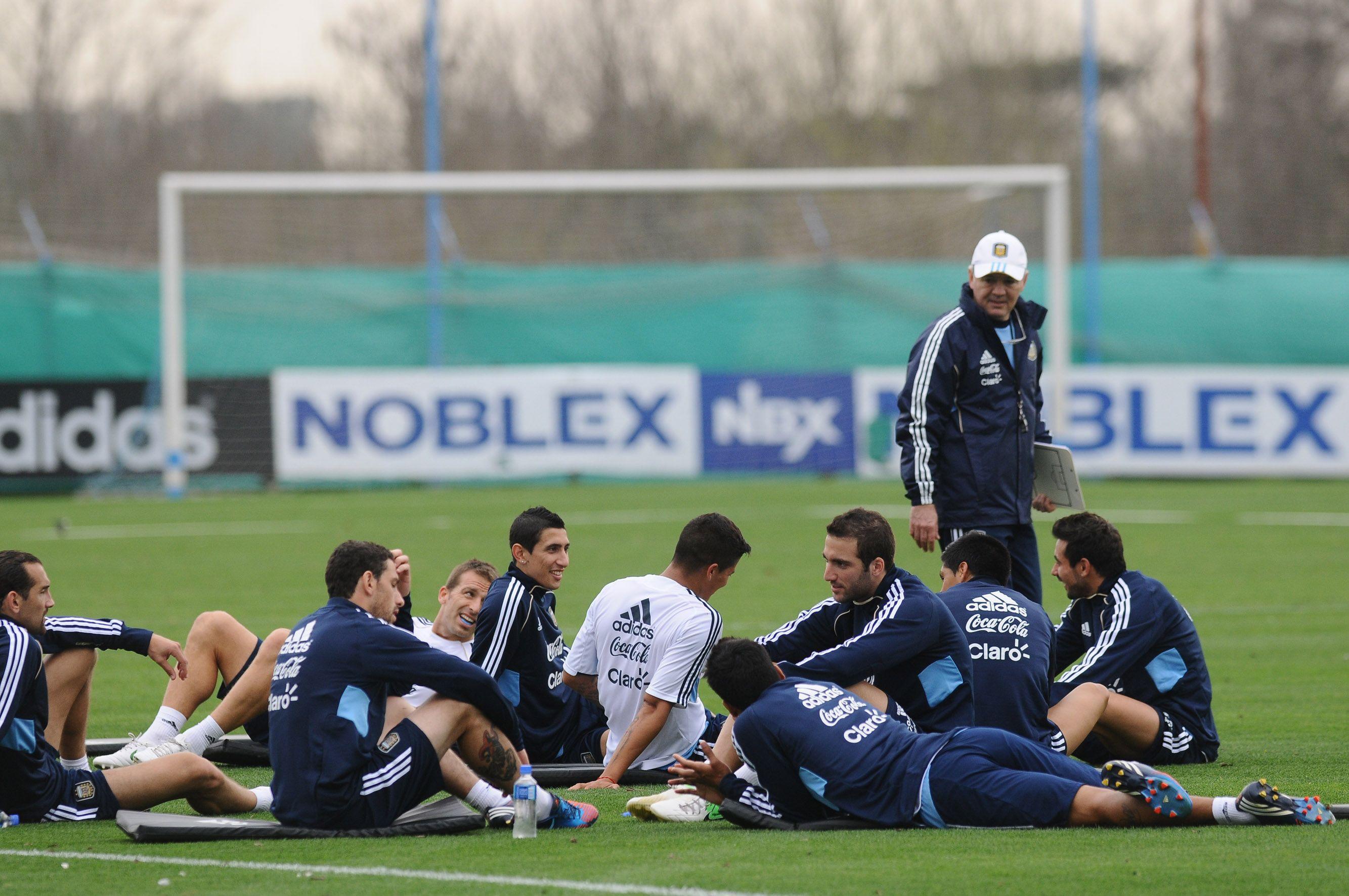 La Selección comienza su preparación en Brasil de cara al clásico