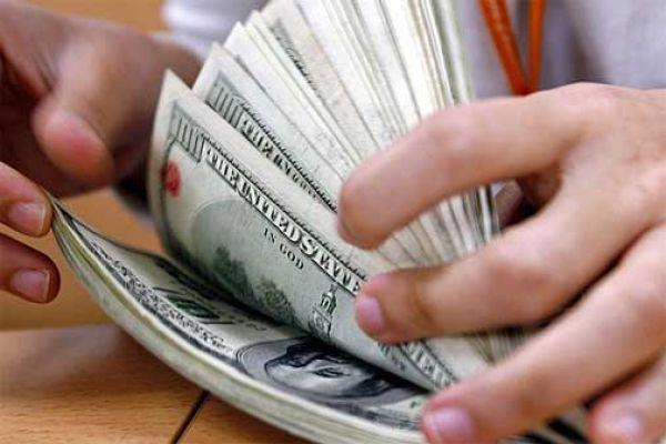 El dólar avanzó a $5,95 y el negro bajó en el inicio de la semana