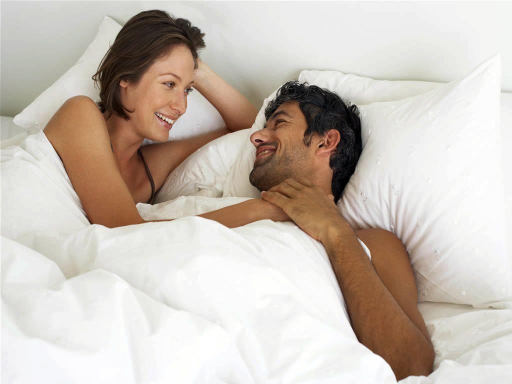 Un estudio revela que la mujer que practica sexo oral es más feliz