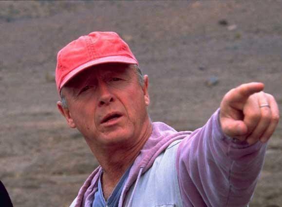 Shock en Hollywood por el suicidio del director de Top Gun