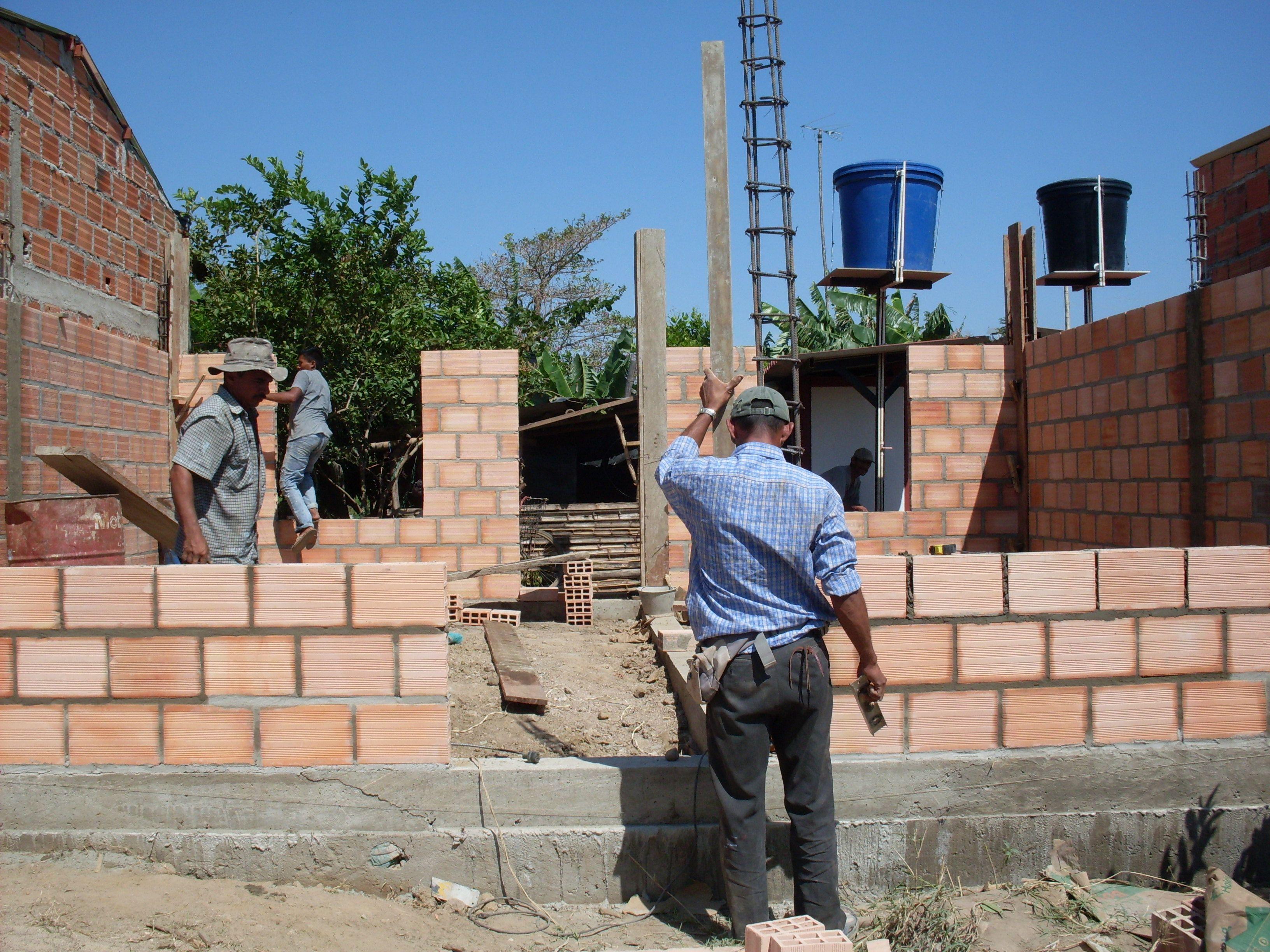 Pymes constructoras proyectan más obras para 2014