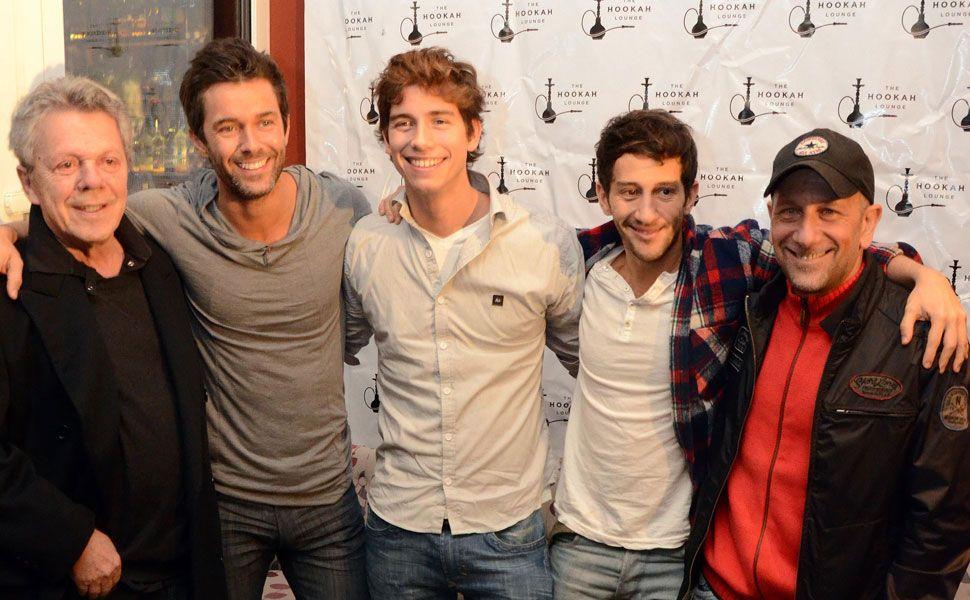 Emilio Disi junto a Mariano Martínez y elenco