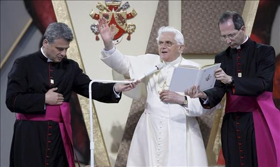 Sopresa en la Iglesia Argentina por el anuncio del Papa Benedicto XVI