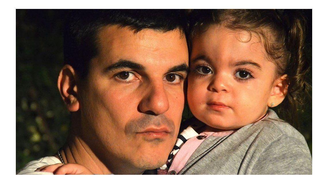Sus papás comenzaron una campaña a través de las redes para conseguir fondos para el tratamiento
