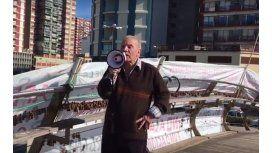 Un jubilado convocó a una manifestación y nadie lo acompañó