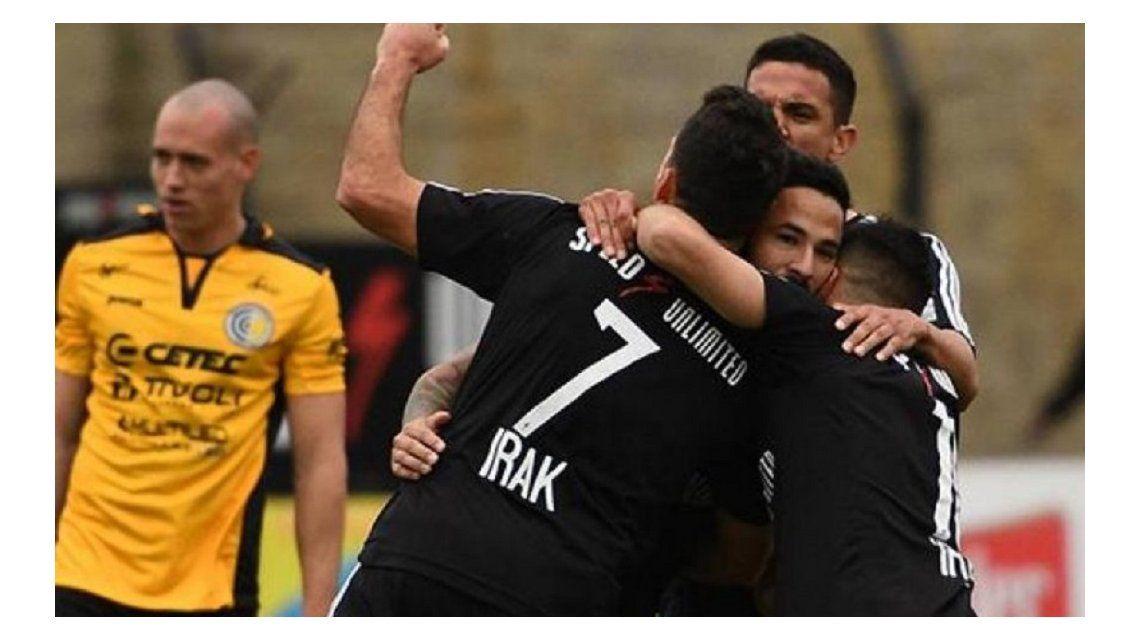 No hubo milagro y Riestra consumó su ascenso a la Primera B Nacional ante Comunicaciones