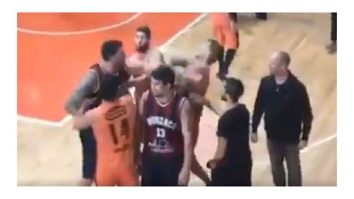 El momento de la agresión de Fernández