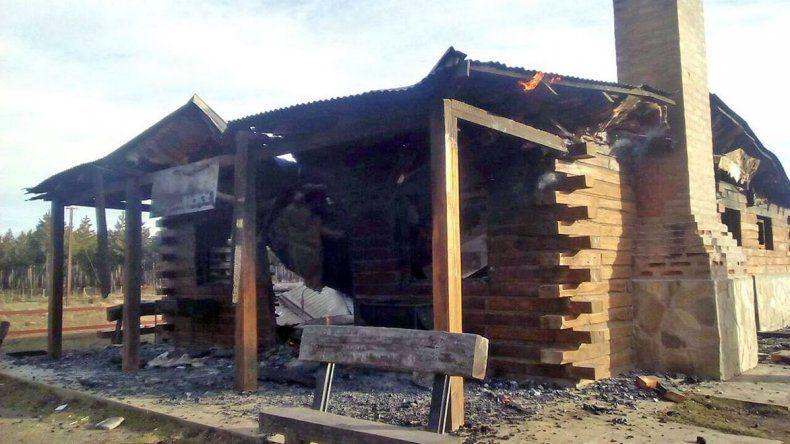 Un incendio destruyó una estación de La Trochita