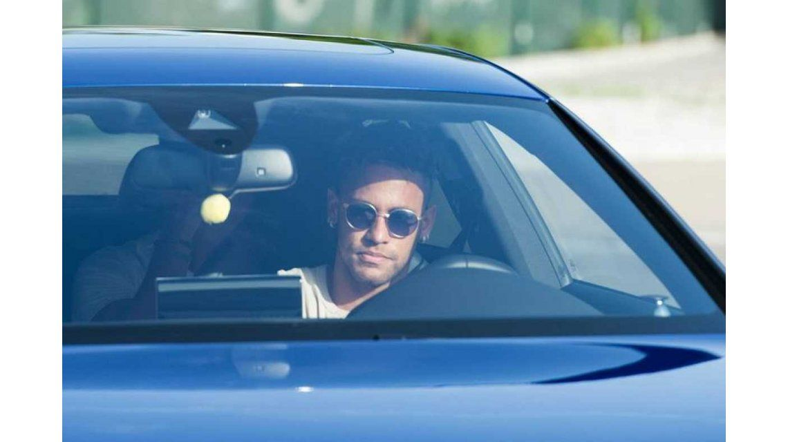 Así se iba Neymar Jr. del entrenamiento del Barcelona