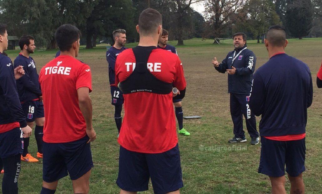 El entrenador sigue reforzando a su equipo (foto: sitio oficial Tigre)