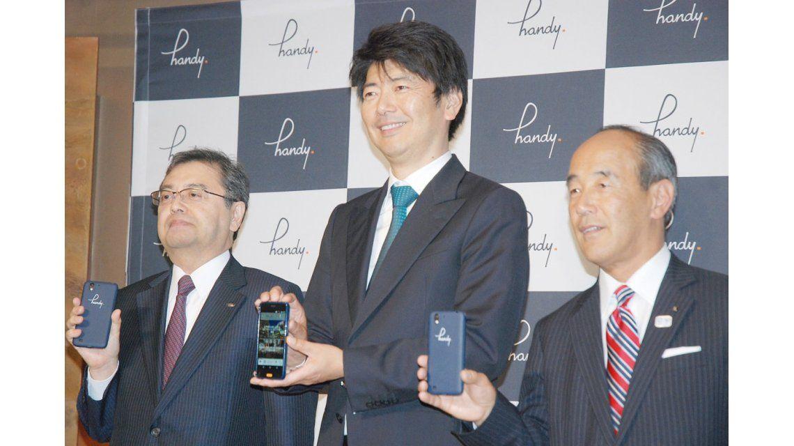 Empresarios japoneses presentan el proyecto Handy