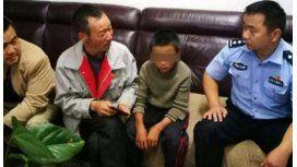 Un nene de 10 años sobrevivió solo 24 días comiendo carne de víbora