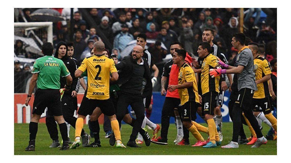 Deportivo Riestra 2 - Comunicaciones 0