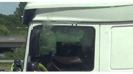 Así lo capturaban in fraganti al camionero imprudente