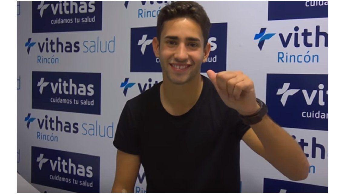 El defensor pasó la revisión médica y fue presentado en el club andaluz