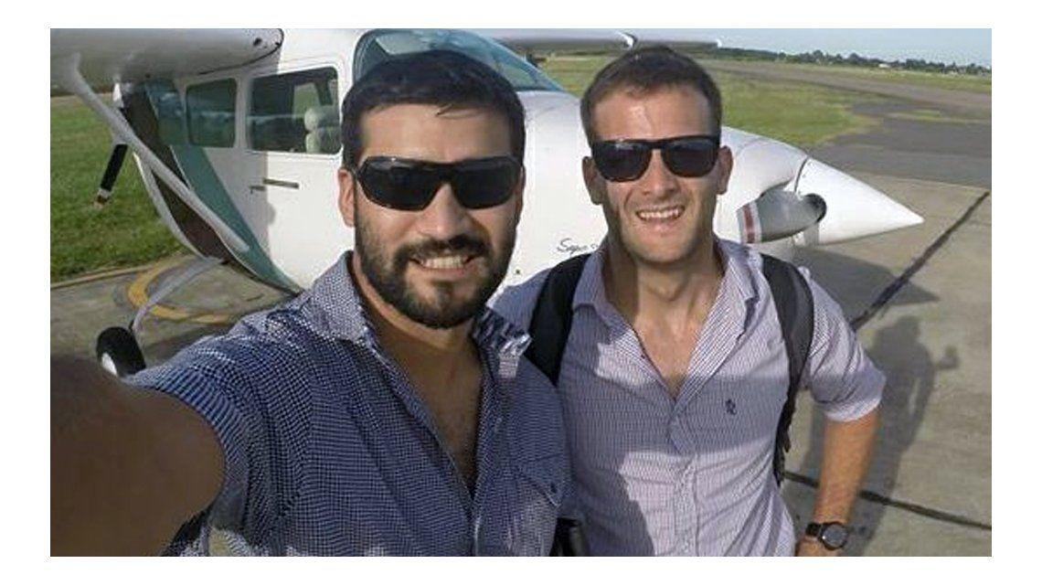 Amigos de uno de los pilotos de la avioneta iniciaron una búsqueda paralela