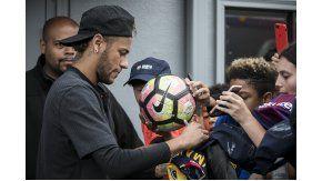 El brasileño sigue coqueteando con irse del Barcelona