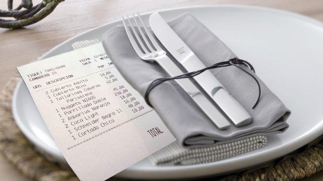 Lo que debe ofrecer un restaurante para poder cobrar los cubiertos