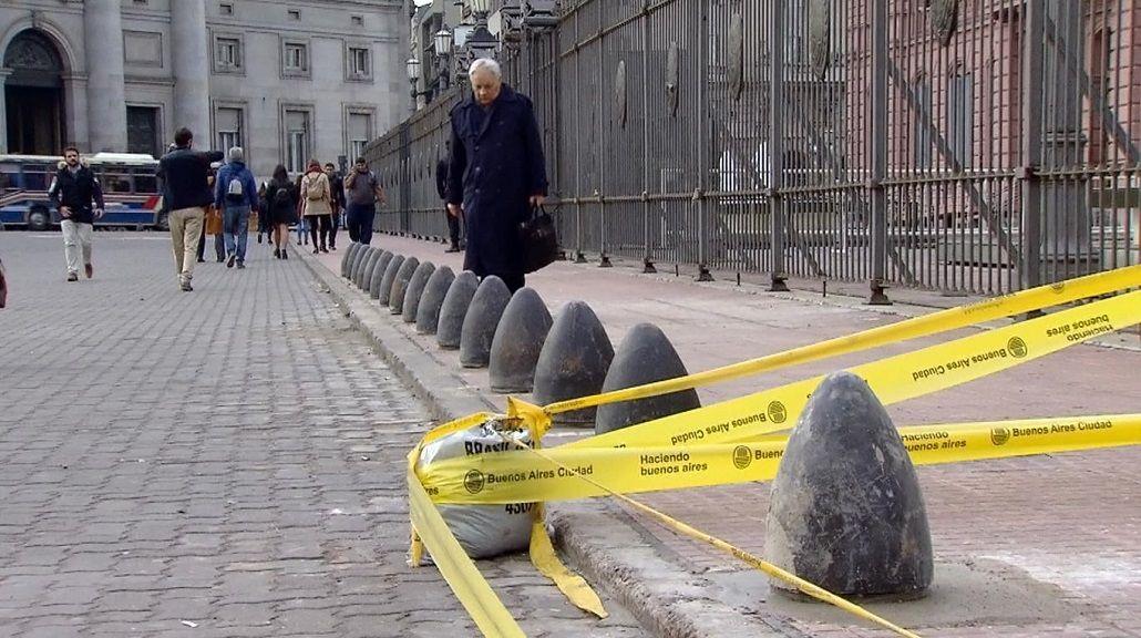 Pusieron pilares de hormigón en Casa Rosada