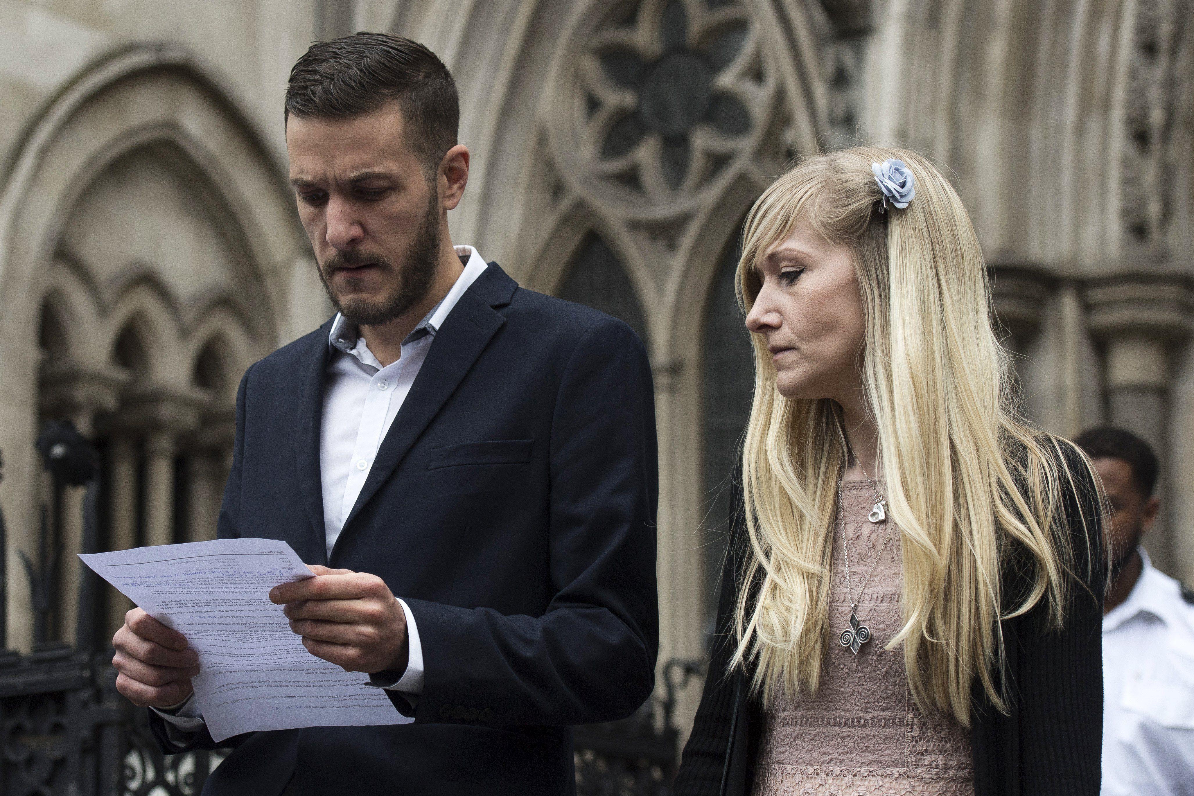 Murió Charlie Gard, el bebé que la Justicia británica ordenó desconectar