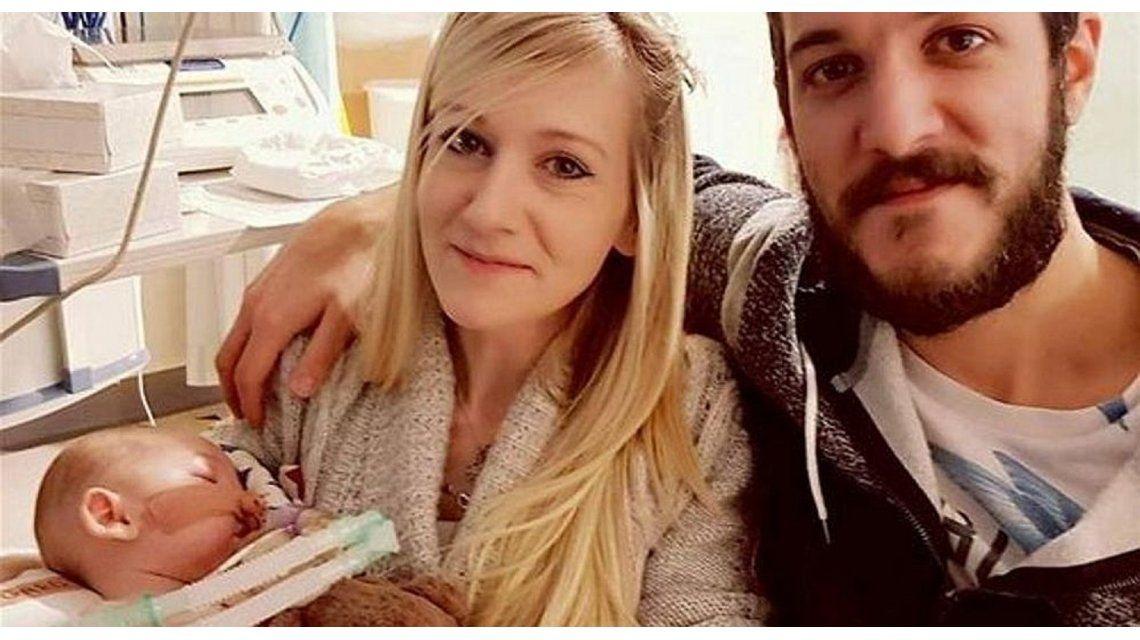 Los padres de Charlie Gard abandonan la batalla legal para mantenerlo con vida