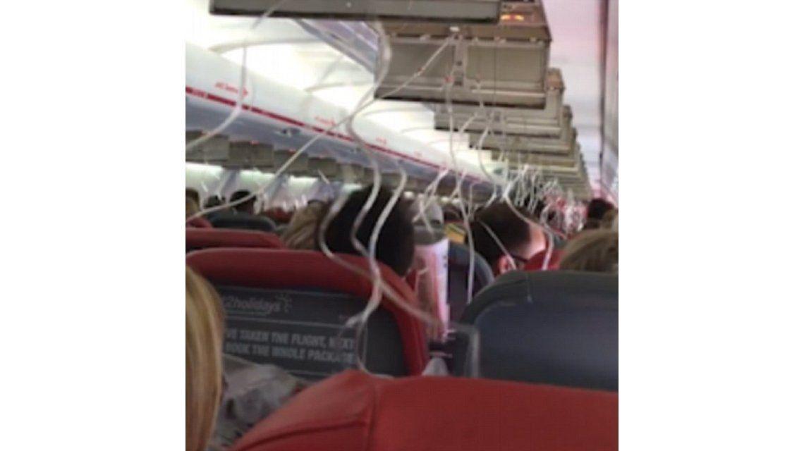 Terror en el aire: su avión empezó a caer y se despidió de su familia