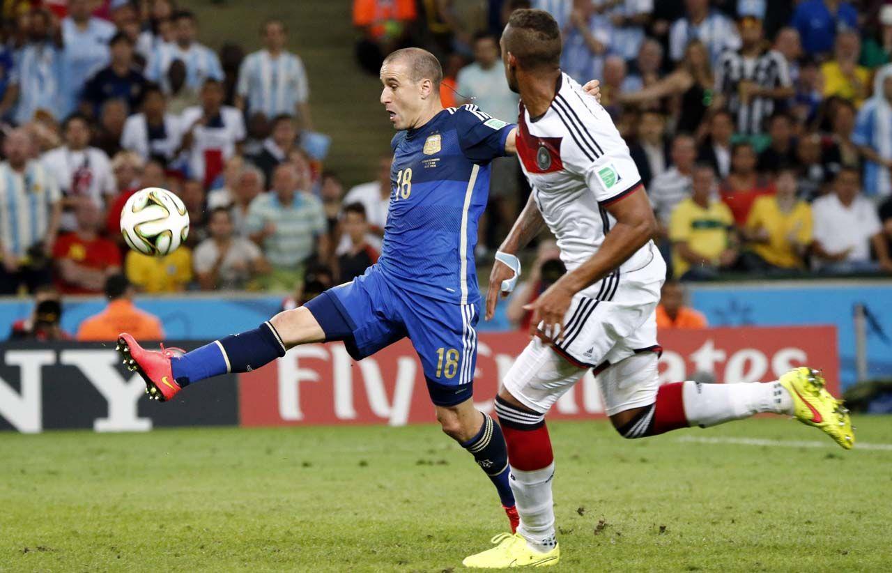 Rodrigo Palacio estuvo cerca de anotar en la final del Mundial 2014